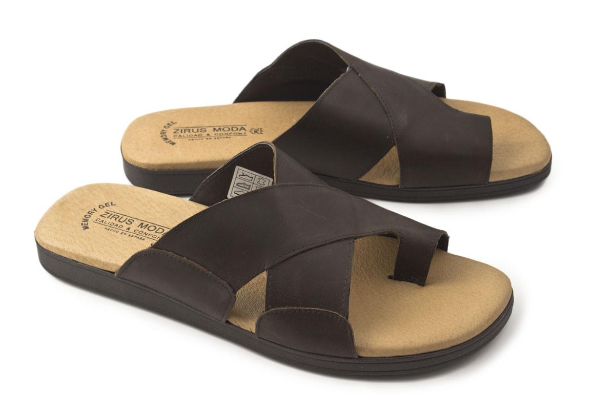 Sandalia piel marrón