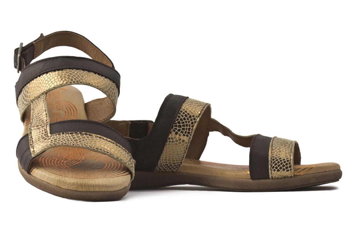 Sandalia piel marrón combinada