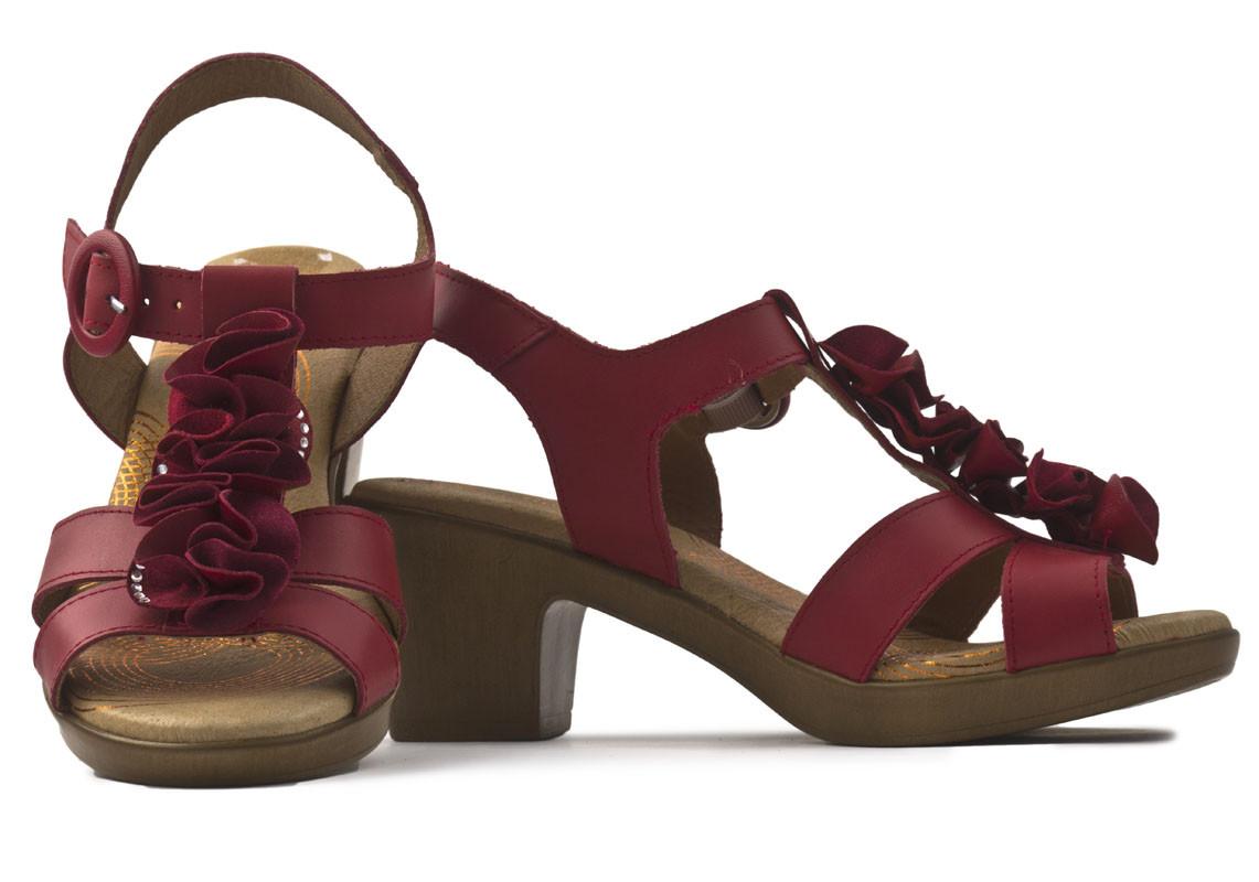 Sandalia piel roja flores