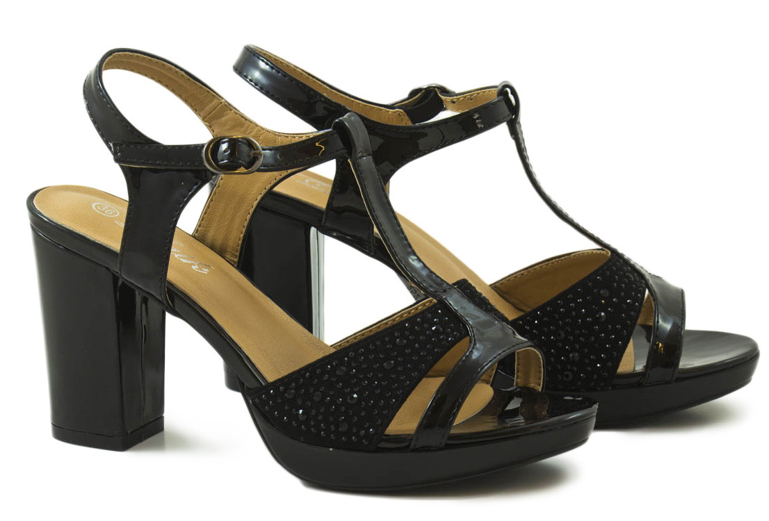 Sandalia negra combinada