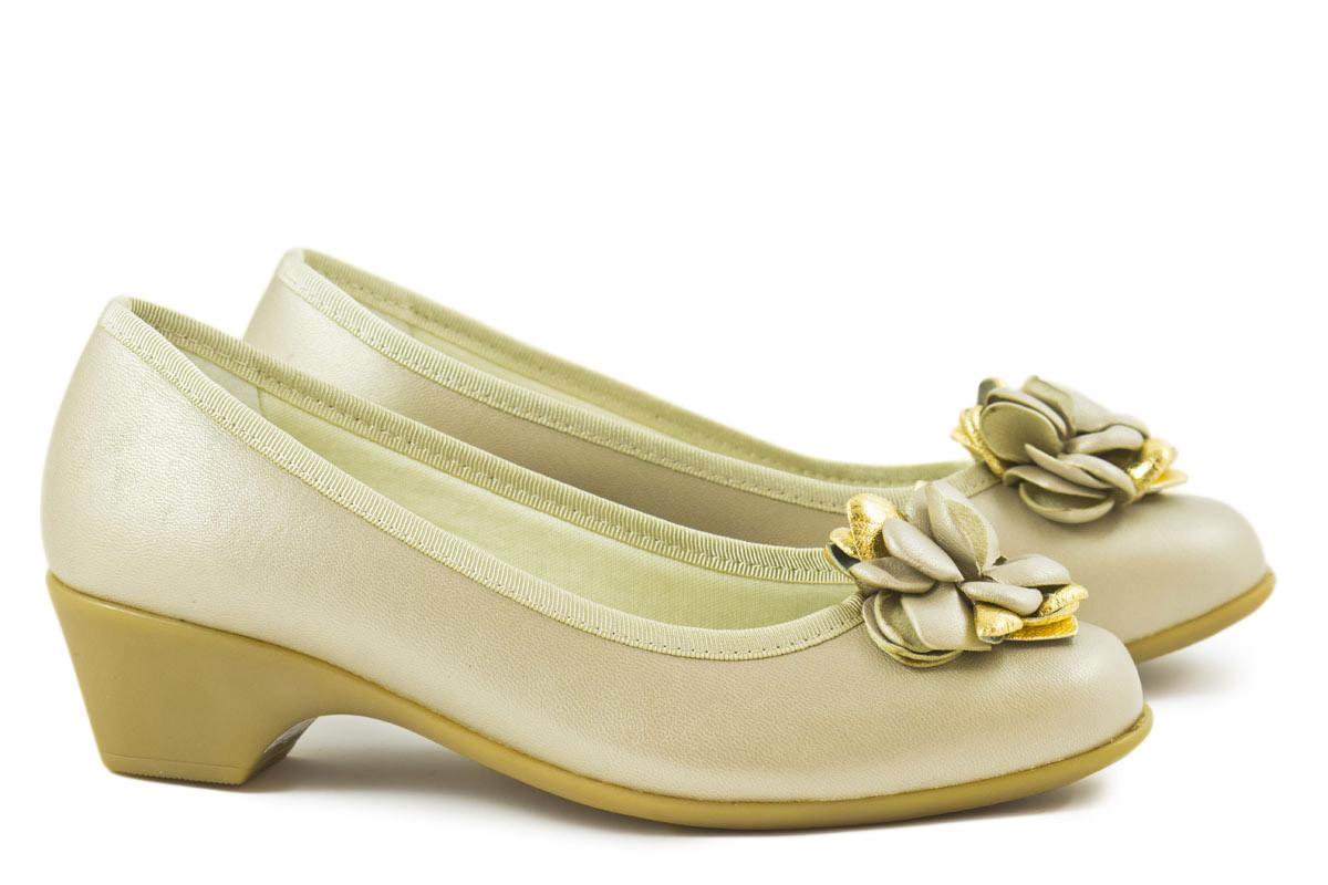 Zapato salón piel Beige